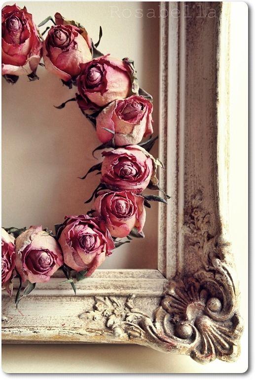 Auch getrocknete Rosen sind eine wunderschne Dekoidee fr
