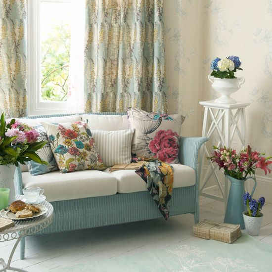Rectangular Living Room Country Style Cottage Shabby Chic Floral Spring Summer Look Decor Aqua Blue Pastel Yellow Colorful Idea Inspiration