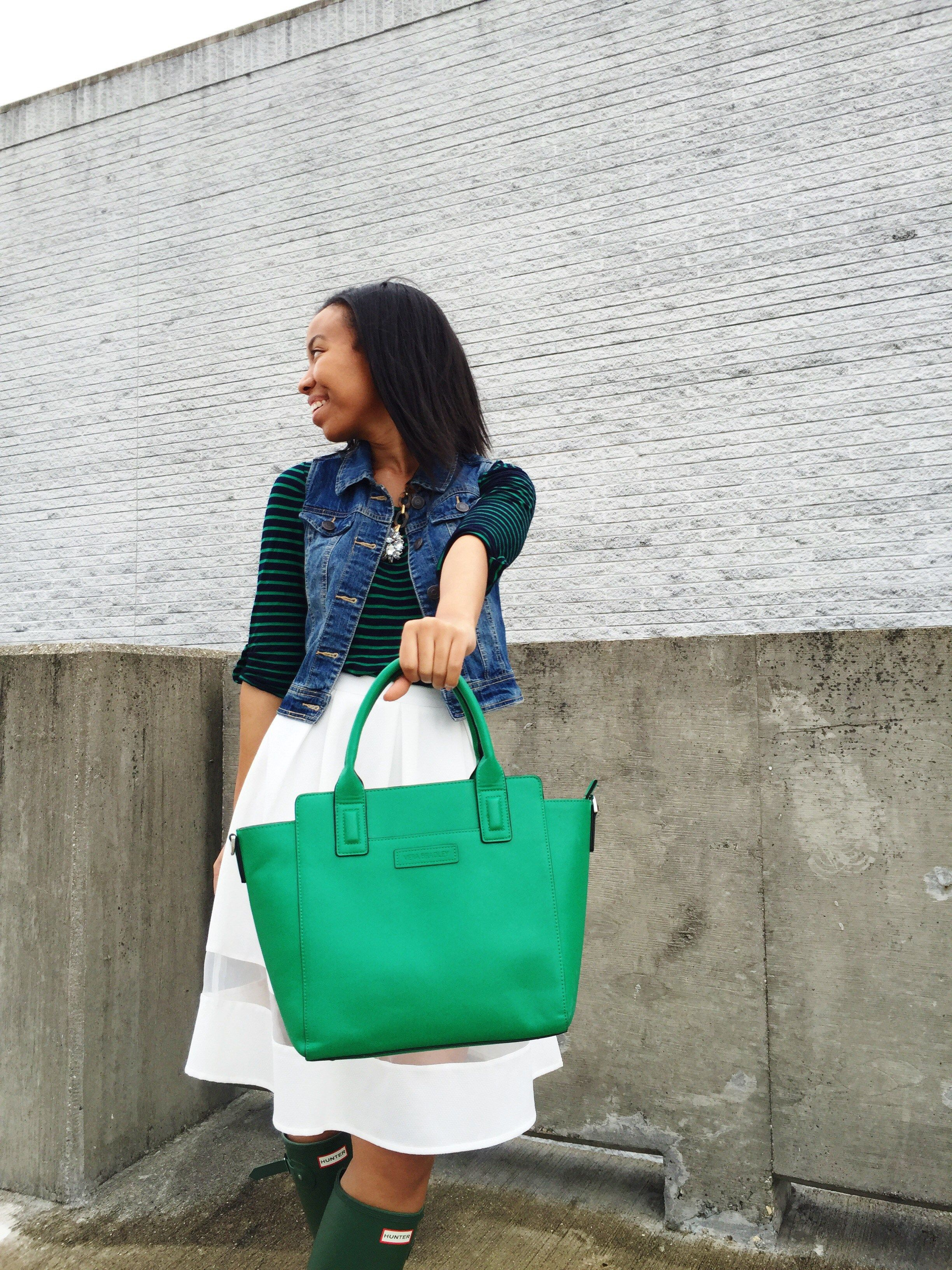 What Nicole Wore: Luck of the Irish // louisville blogger, hunter boots, green rain boots, hunter boots outfit, spring outfit, target style, vera bradley, forever 21, very jane