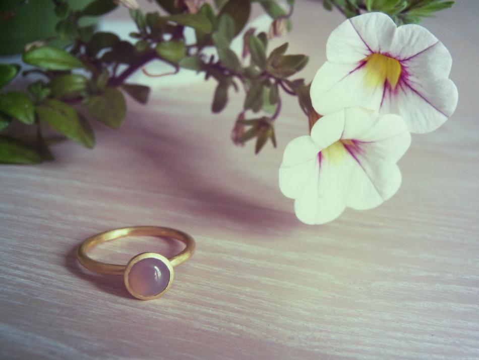 Styling by elisabethskov showing Bubble Ring Grey Small Gold #jewellery #Jewelry #bangles #amulet #dogtag #medallion #choker #charms #Pendant #Earring #EarringBackPeace #EarJacket #EarSticks #Necklace #Earcuff #Bracelet #Minimal #minimalistic #ContemporaryJewellery #zirkonia #Gemstone #JewelleryStone #JewelleryDesign #CreativeJewellery #OxidizedJewellery #gold #silver #rosegold #hoops #armcuff #jewls #jewelleryInspiration #JewelleryInspo #accesories #DanishDesign #JewelryStyling #Diamonds…