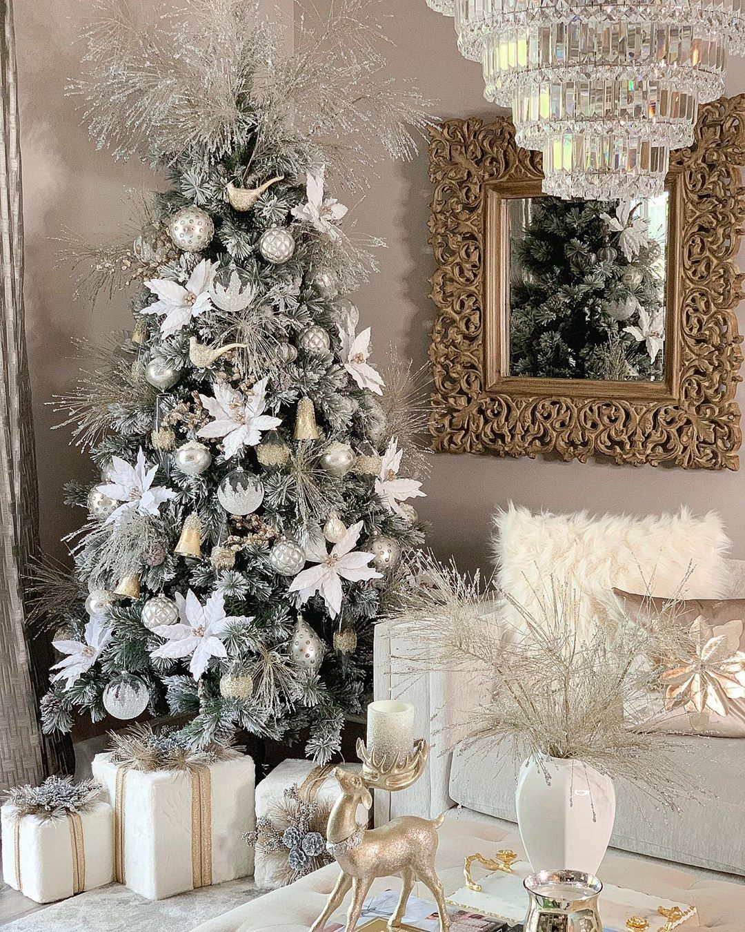 8 903 Likes 489 Comments Farah Merhi Farahjmerhi On Instagram My White Christmas Tree Decorations Beautiful Christmas Trees Christmas Tree Inspiration