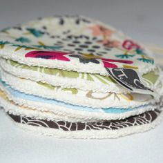 Lot de 6 disques à démaquiller lavables en coton bio. http://kumoandfriends.alittlemarket.com/