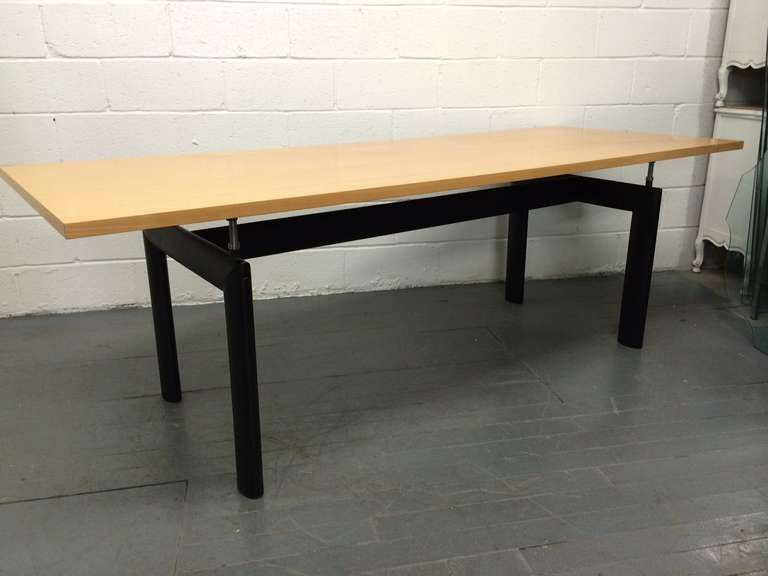 LC6 table - Pesquisa Google | Le Corbusier | Pinterest