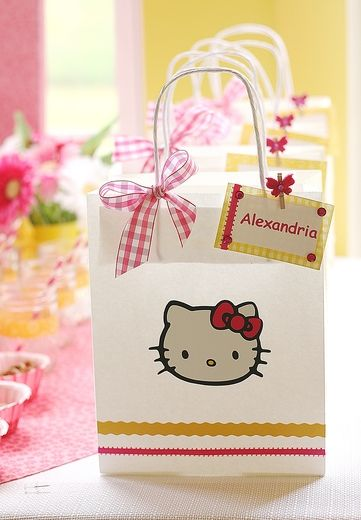 cute favor bags - can put in hello kitty loot there like pencils acf0100bdd499