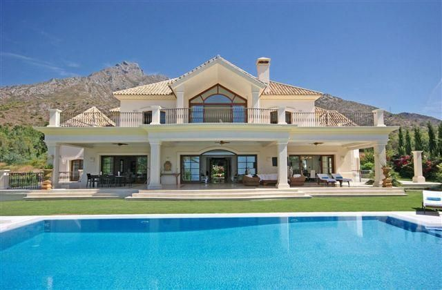 Large Villas To Rent In Marbella