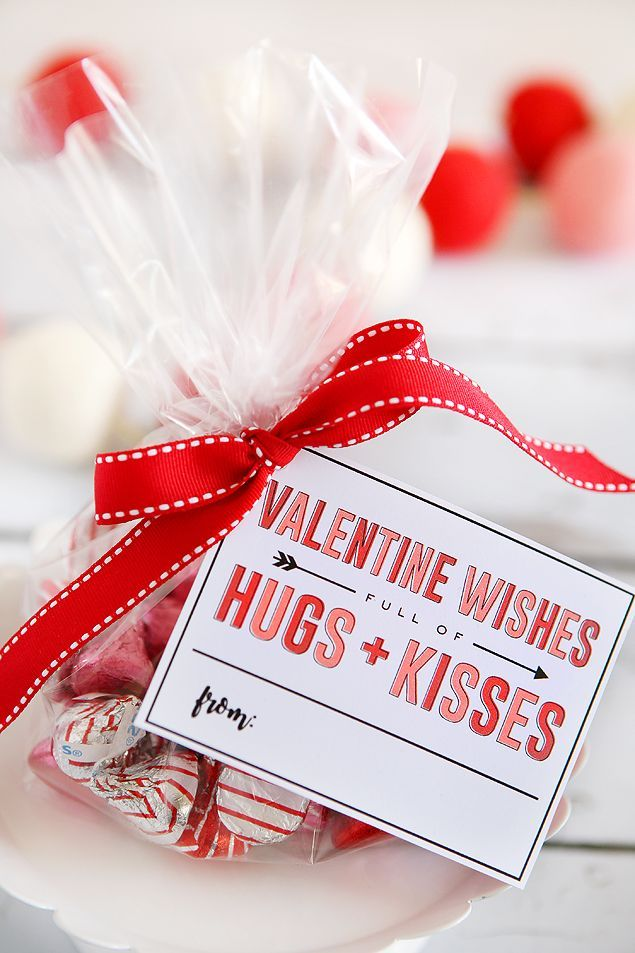 Valentine Wishes Full Of Hugs + Kisses | Hug, Kiss and Gift