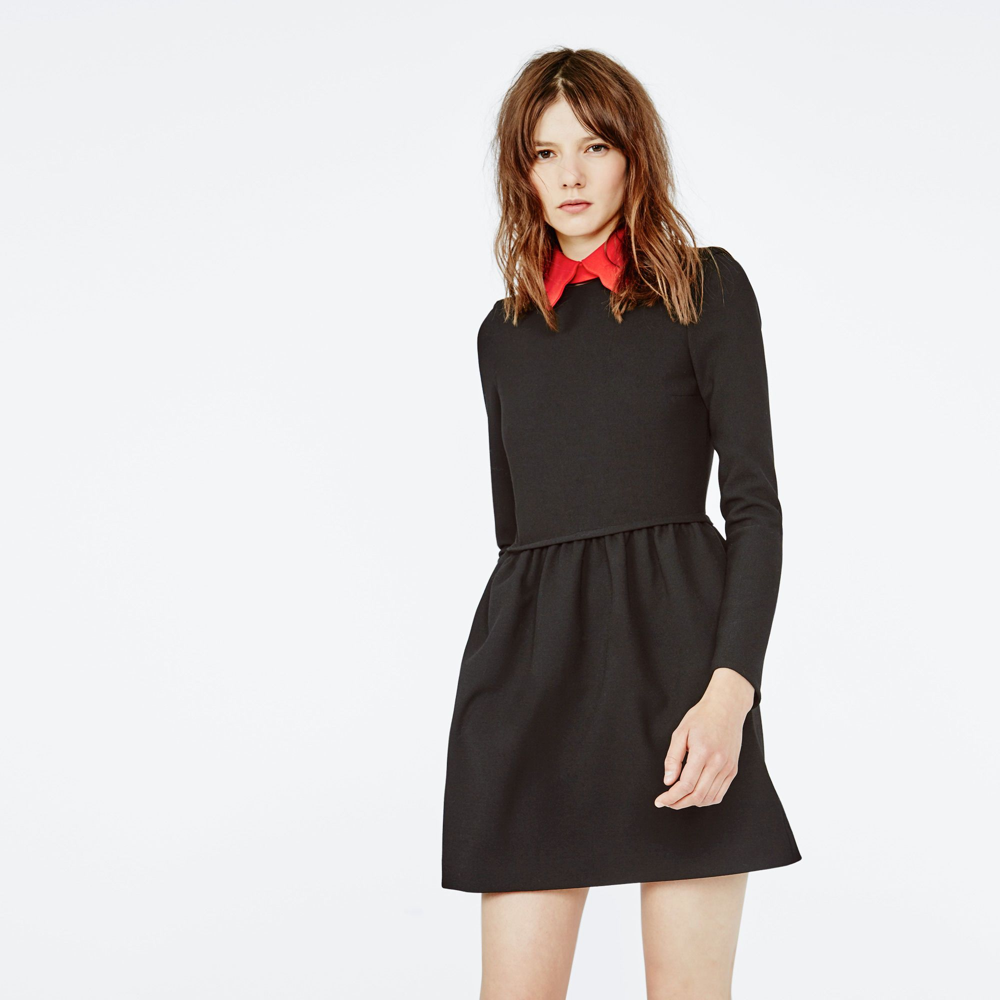 look femme hiver 2019 avec petite robe noir maje
