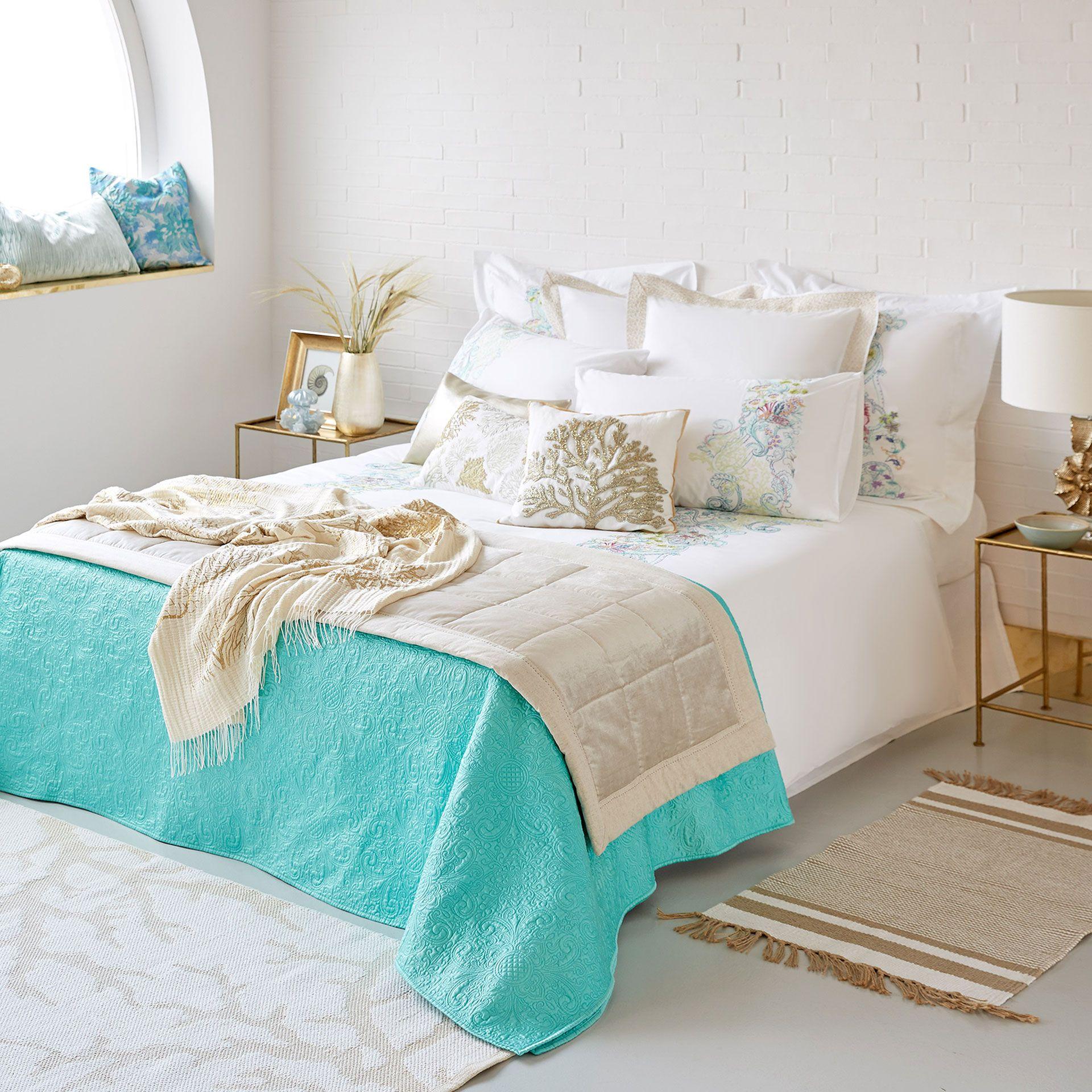 Bild Des Produktes Quilt Mit Blumenmotiven Im Relief Zara Home