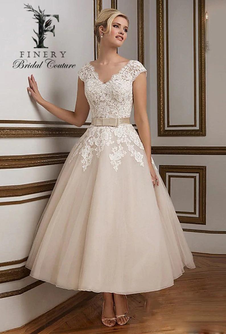 Tea Length Wedding Dress Wedding Gown Lace Bodice Classic Etsy In 2021 Tea Length Wedding Dress Tea Length Wedding Dress Vintage Short Wedding Dress [ 1172 x 794 Pixel ]
