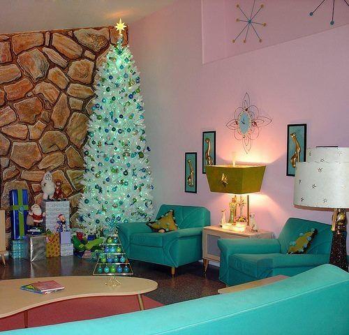 Holiday Home Decor Renovated 1920s House: 16 Retro Christmas Decorating All Stars