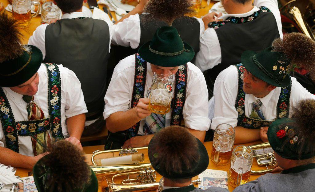 Oktoberfestiä voi viettää myös Suomessa - katso vinkit tapahtumiin