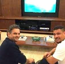 Folha do Sul - Blog do Paulão no ar desde 15/4/2012: AÉCIO AGRADECE APOIO DE RONALDO E DIZ QUE TAMBÉM E...