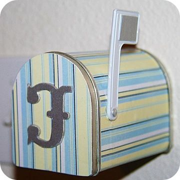 decorate a mailbox - See notes on the Last Mailbox - Awesome Favor for your Wedding Treat Table.