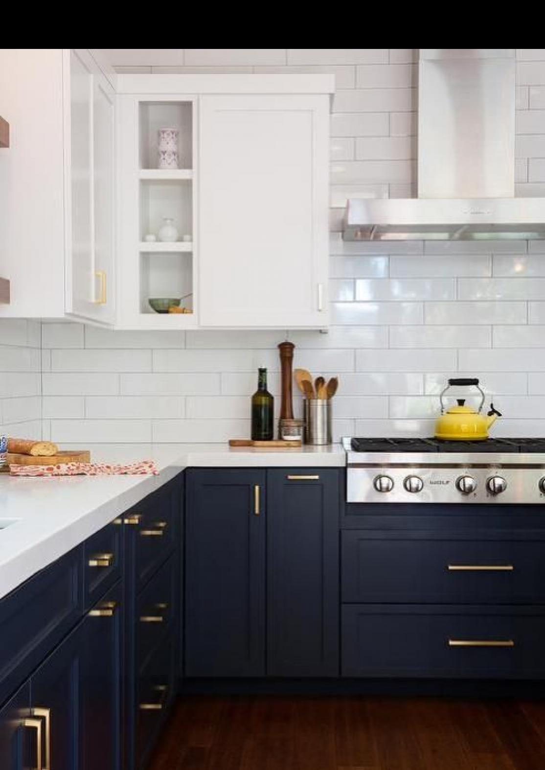 46 Chic Modern Farmhouse Kitchen Decor Ideas In 2020 Kitchen Cabinets Decor Used Kitchen Cabinets Kitchen Cabinet Trends