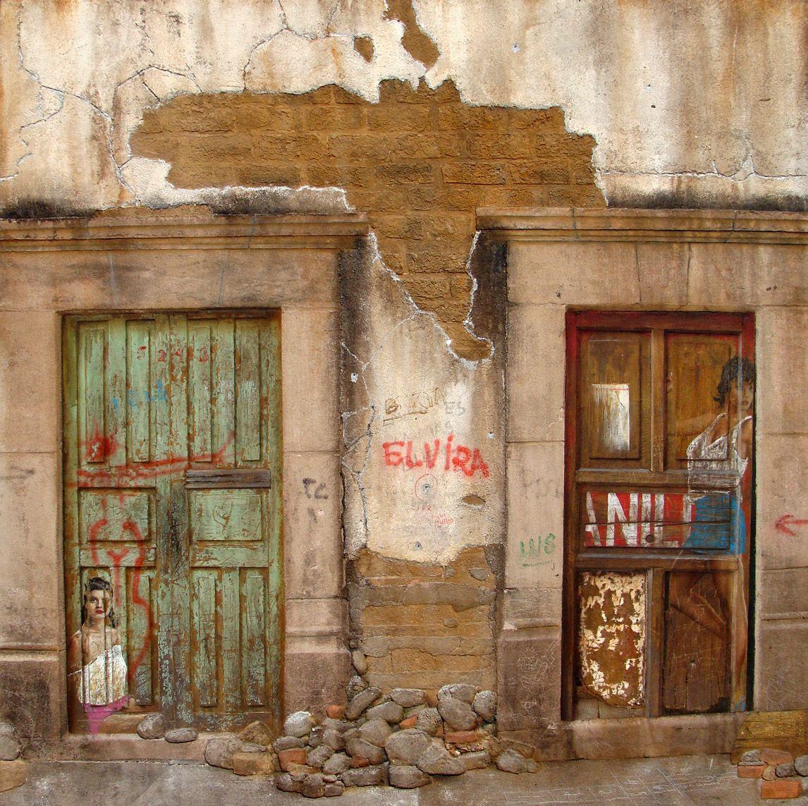 Puertas malas, mixta sobre tela sobre madera por Rafael Cauduro