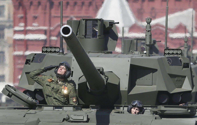 http://www.ilgiornale.it/news/mondo/putin-mostra-i-muscoli-ecco-nuovo-tank-russo-1126067.html