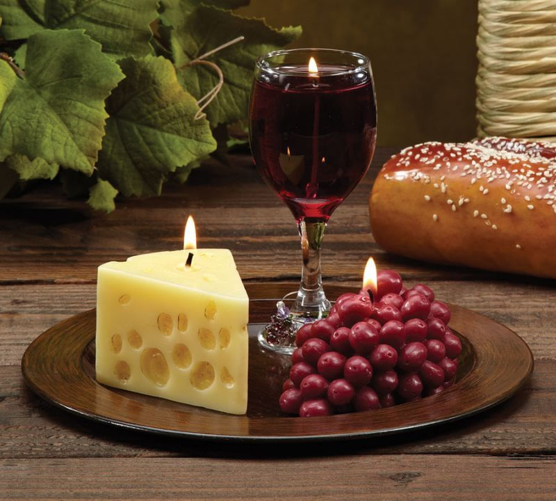 Merlot scented wine cheese grape novelty candle gift for Grapes furniture and home decor