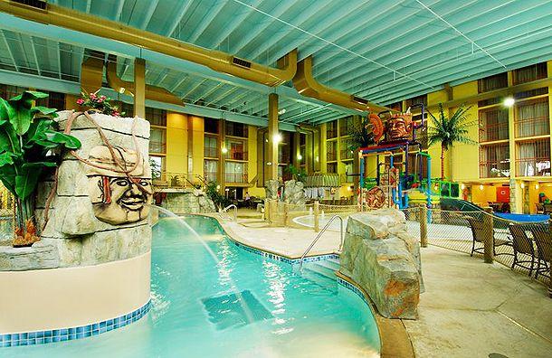 Holiday Inn Chicago Elmhurst S 24 000 Sq Ft Mayan Adventure Indoor Water Park Http Hotel Swimming