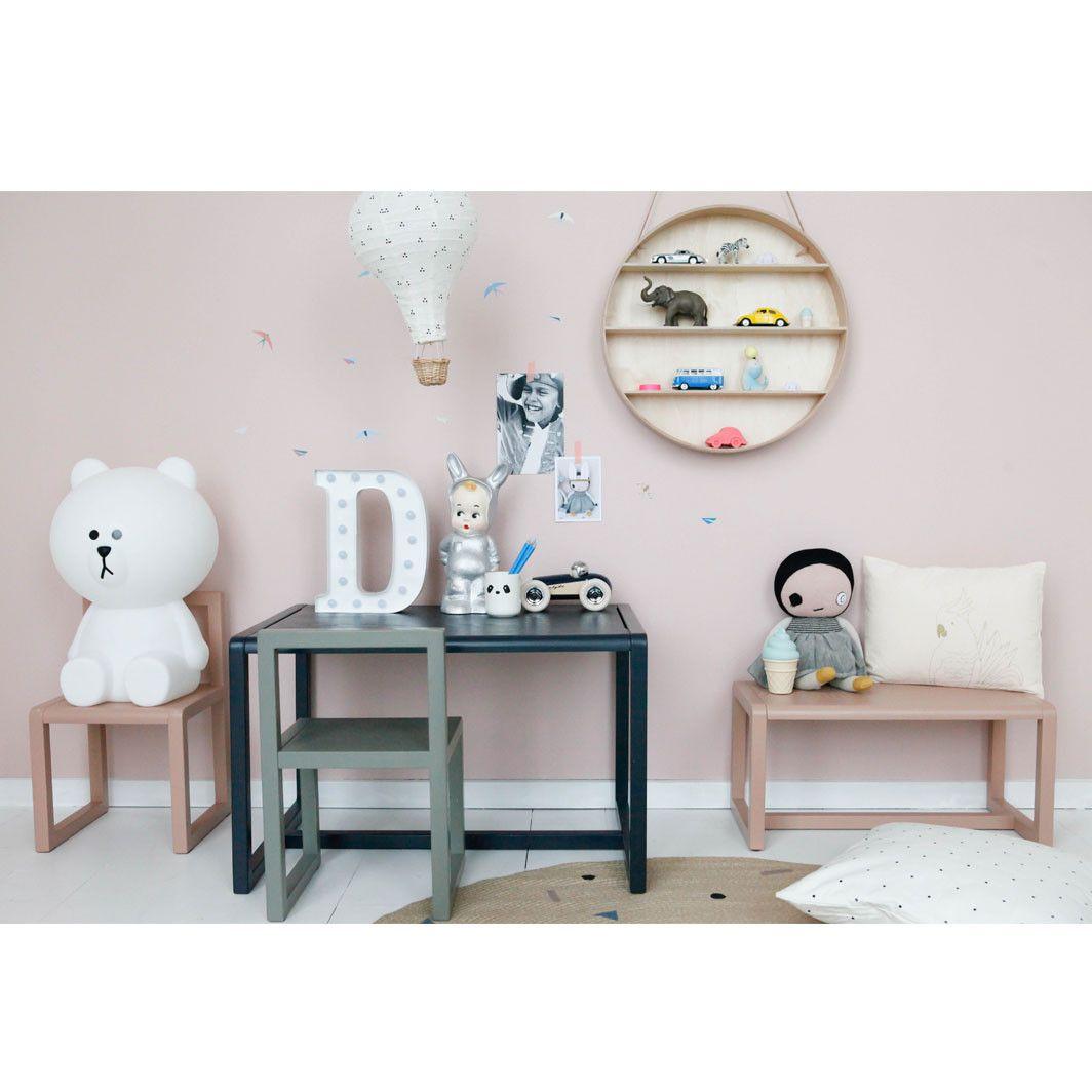 Køb børnemøbler fra ferm Living online her. Du finder hele serien Little Architect her. Køb nu go indret det fineste børneværelse. www.lirumlarumleg.dk