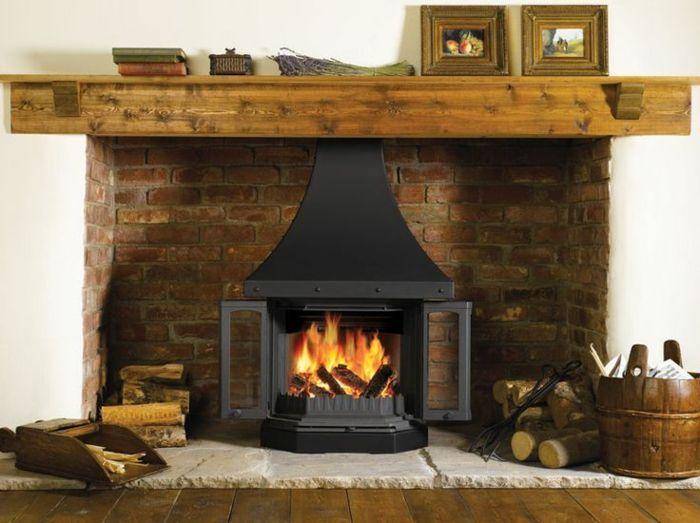chimeneas rusticas estufa vintage en habitacin en estilo rstico decoracin de lea - Chimeneas Rusticas De Lea