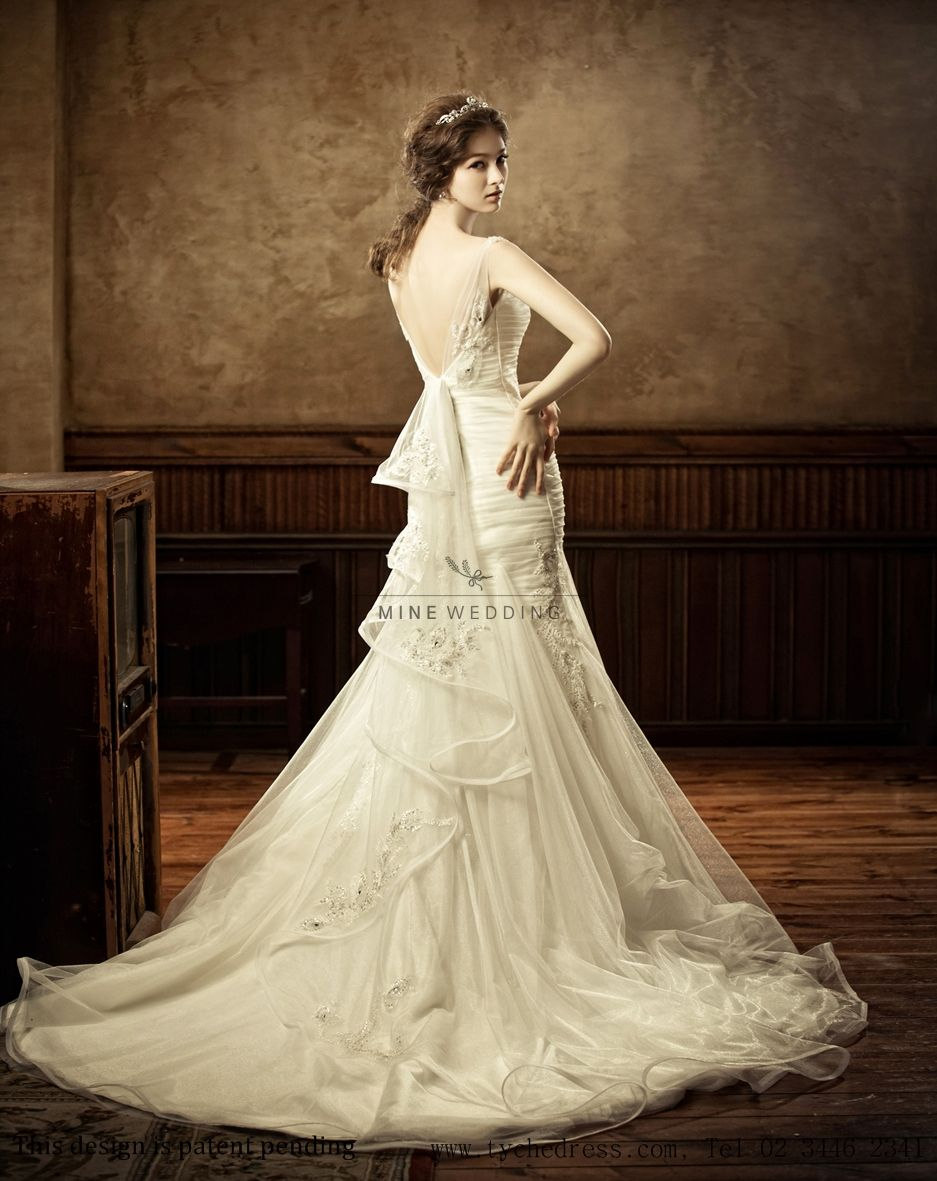 Let me share one of my bridal shop by tyche you can see a beautiful