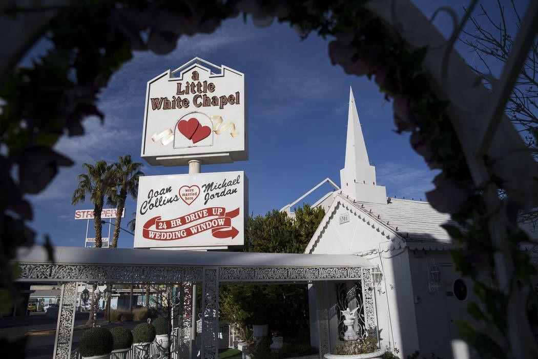 A Little White Wedding Chapel Las Vegas Nv Free Wedding Inspirations Website In 2020 Chapel Wedding Little White Chapel Little White