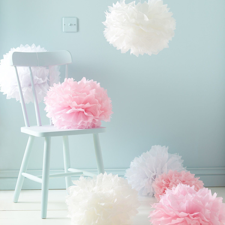 puschel pompons pompoms in rosa und creme für deko geschenke