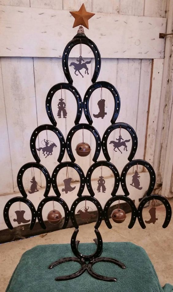 Rustic Horseshoe Christmas Tree WITH ornaments - Rustic, Cowboy