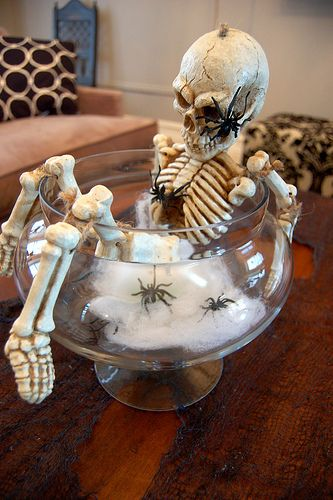 Skeleton centerpiece but I'm going to tweek it a little and use it as a  punch bowl idea