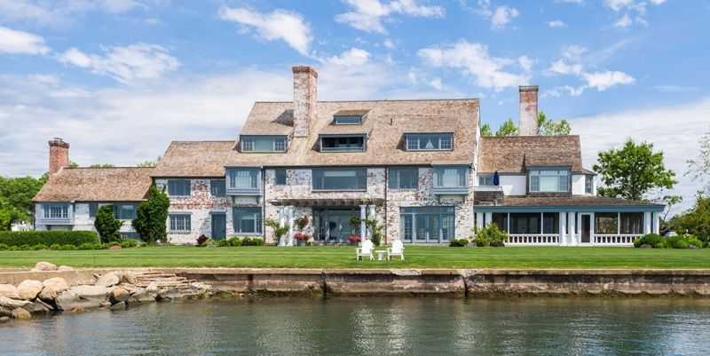 Katharine Hepburn S Lifelong Connecticut Estate Finally Sells Celebrity Houses Katherine Hepburn Katharine Hepburn