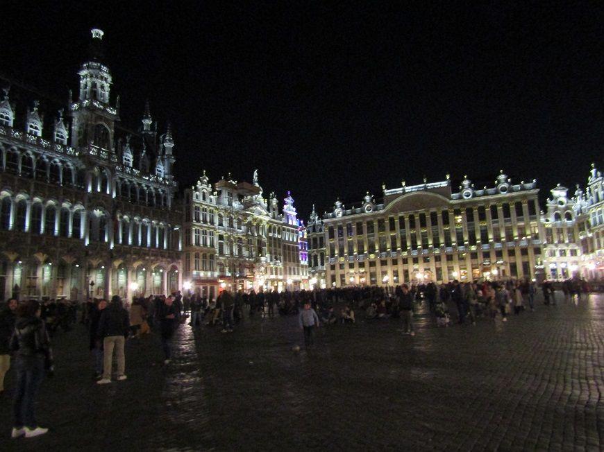 Grand Place de Bruxelles sous la nuit