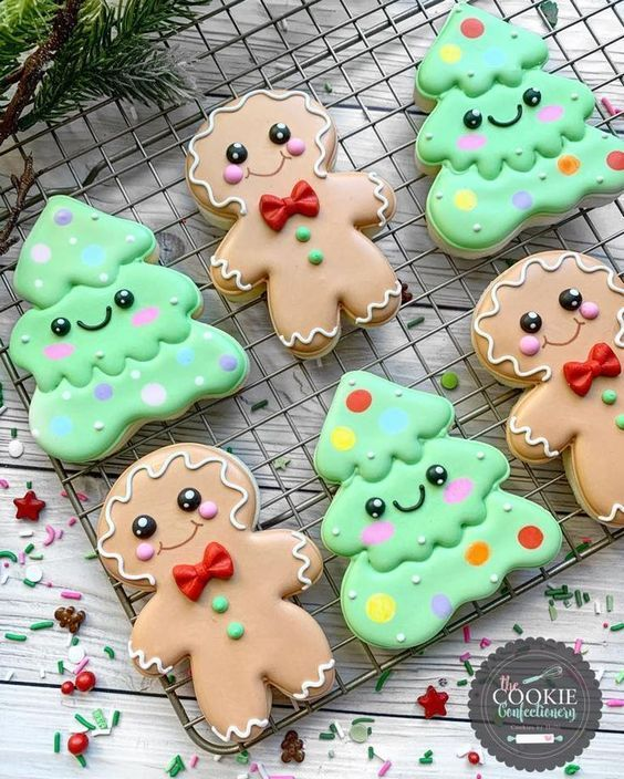 35 Cute Decorated Christmas Sugar Cookies That You Need To See In 2020 Christmas Sugar Cookies Cute Christmas Cookies Christmas Sugar Cookies Easy