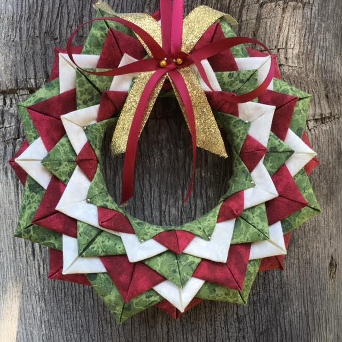 Folded fabric christmas ornaments patterns - No Sew Folded Fabric Wreath Ornament Pattern