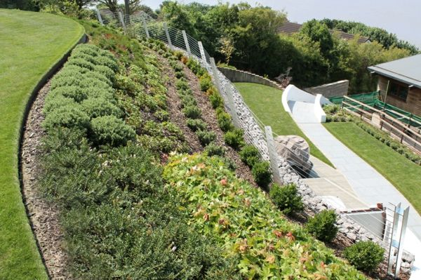 garten anlegen pflanzenbeeten gartengestaltung am hang, Gartenarbeit ideen