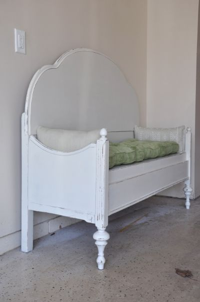 Old Bed Headboard And Footboard Into A Cute Bench
