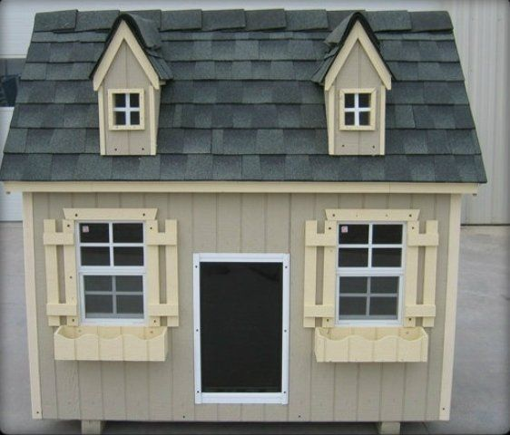 It S Your Option To Insulate Or Not With This Luxury Dog House