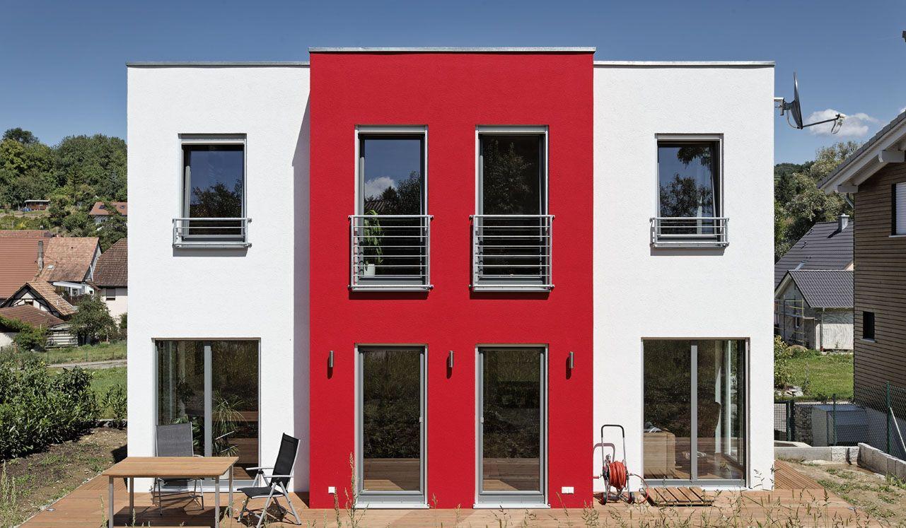 Moderne fensterformen  Dieses Haus fällt durch seine kubische Form auf. Die besondere ...