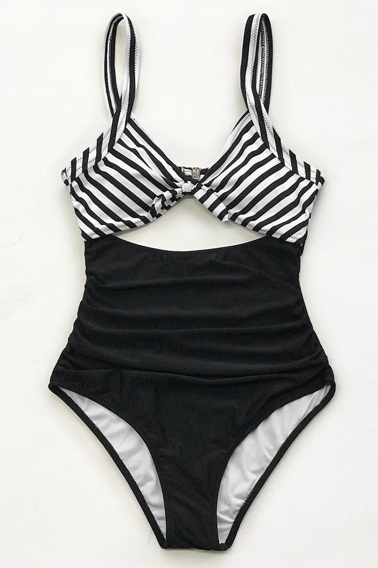 94ab3676522 #Valentine's Day Sale! #EnvyWe #CupShe - #CUPSHE Black And White Ruched One-Piece  Swimsuit - EnvyWe.com