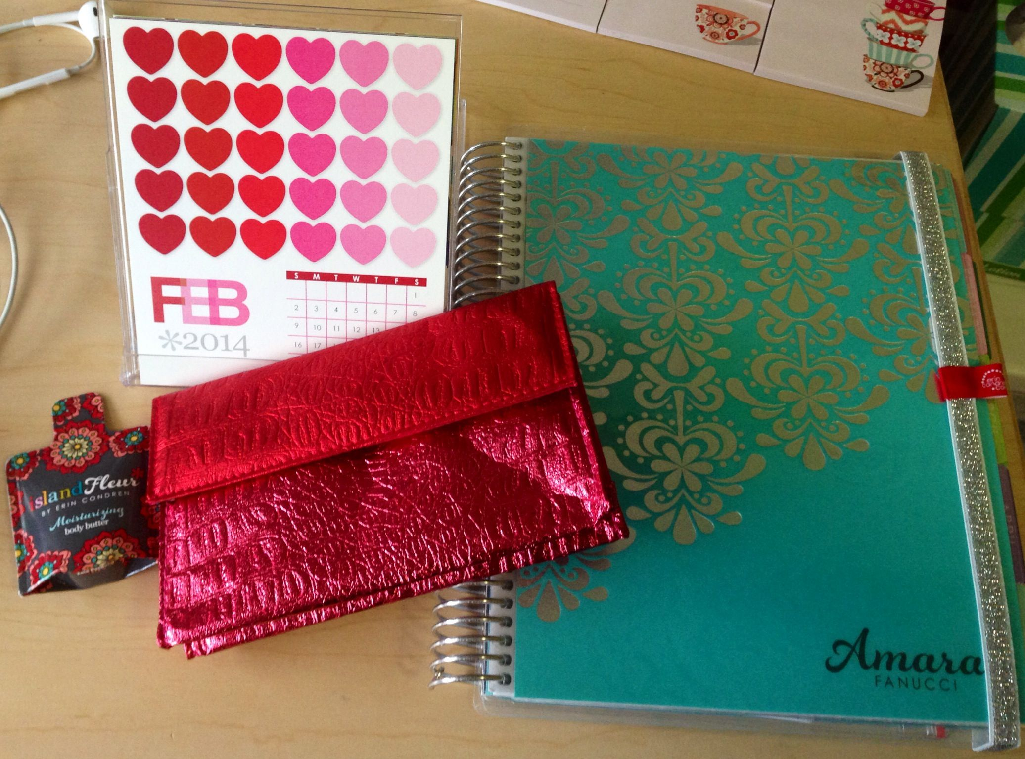 @erincondren.com Thank you for my wedding planner and other amazing gifts!! I love them all! #getorganized #wedding
