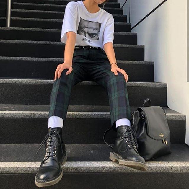 """Photo of 🍁🍂 on Instagram: """"Photo: @alvssa_ goodnight 🌛🌜 . . #grunge #grungestyle #grungefashion #fashion #streetstyle #pastelgrunge #indie #indiestyle #rock #teen…"""""""