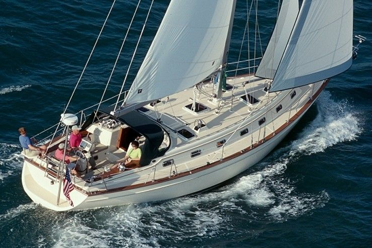 Island Packet 420 Island Packet builds distinctive, full