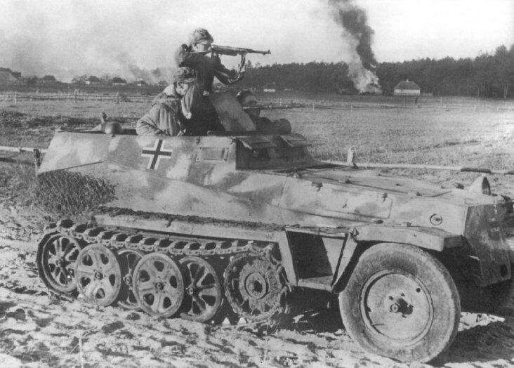A SdKfz 250 light halftrack