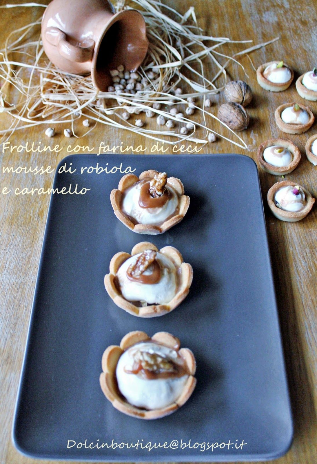 mini sweet pie chickpeas and robiola cheese