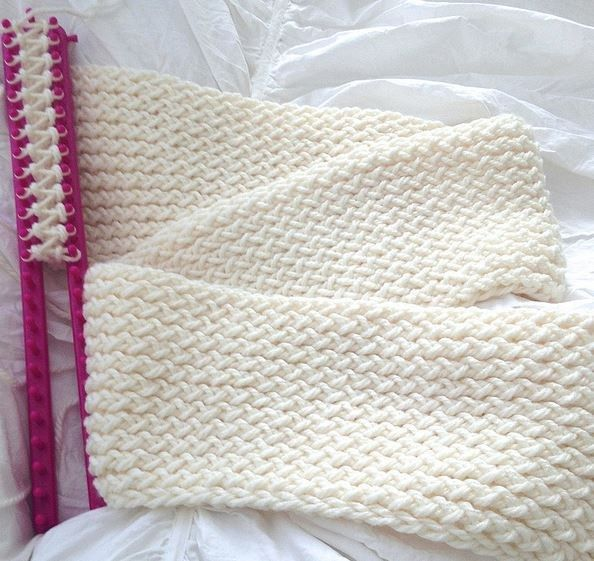 Knitted Loom Scarf Patterns You\'ll Love | Telar, Tenedores y Ganchillo