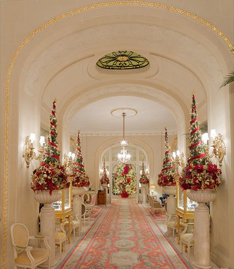 Christmas Decorations Ideas For Hotels: The Ritz Hotel Lobby With Christmas Decorations
