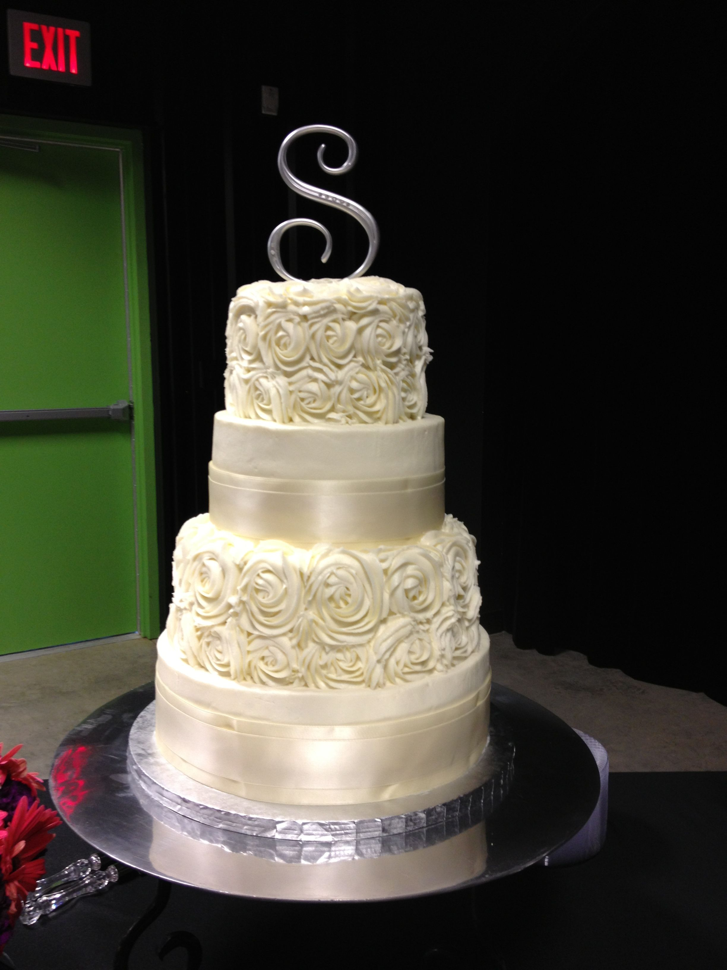 Options For Karen Gold Ribbon On 2 Tiers 1 W Swirl Roses Round Wedding Cakes