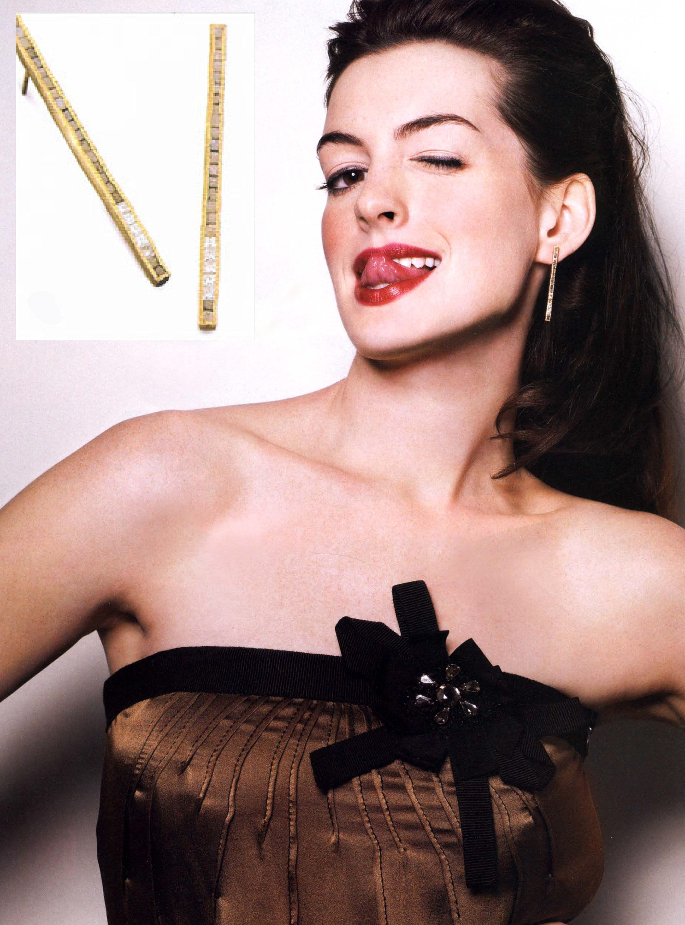 Anne Hathaway rocking Todd Reed raw diamond cube earrings in 2006 ...