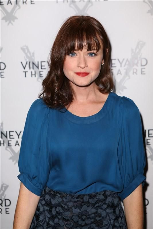 Alexis Bledel hails from Texas - Alexis Bledel: 10 things you don't know (but should!) about the 'Gilmore Girls' star