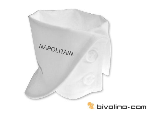 La chemise femme poignet Napolitain possède une manchette d'une hauteur de 8cm. Elle est retournée, laissant apparaître le revers de la manchette arrondie. Elle possède un double boutonnage. Le revers peut être d' une couleur contrastée, à motif différent.
