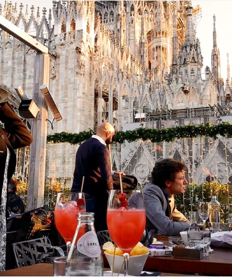 Rooftop Bar By The Milan Cathedral In 2020 Milan Cathedral
